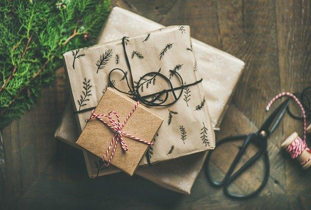 5 Ways To Make Gift Wrapping Fun, Easy, and Unique | All For Xmas
